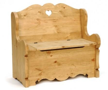 пример мебели для дачи из дерева